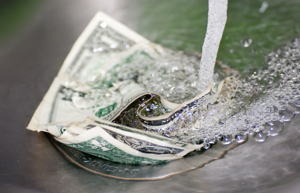 Use a Top Water Treatment Company to Keep Your Money from Going Down the Drain